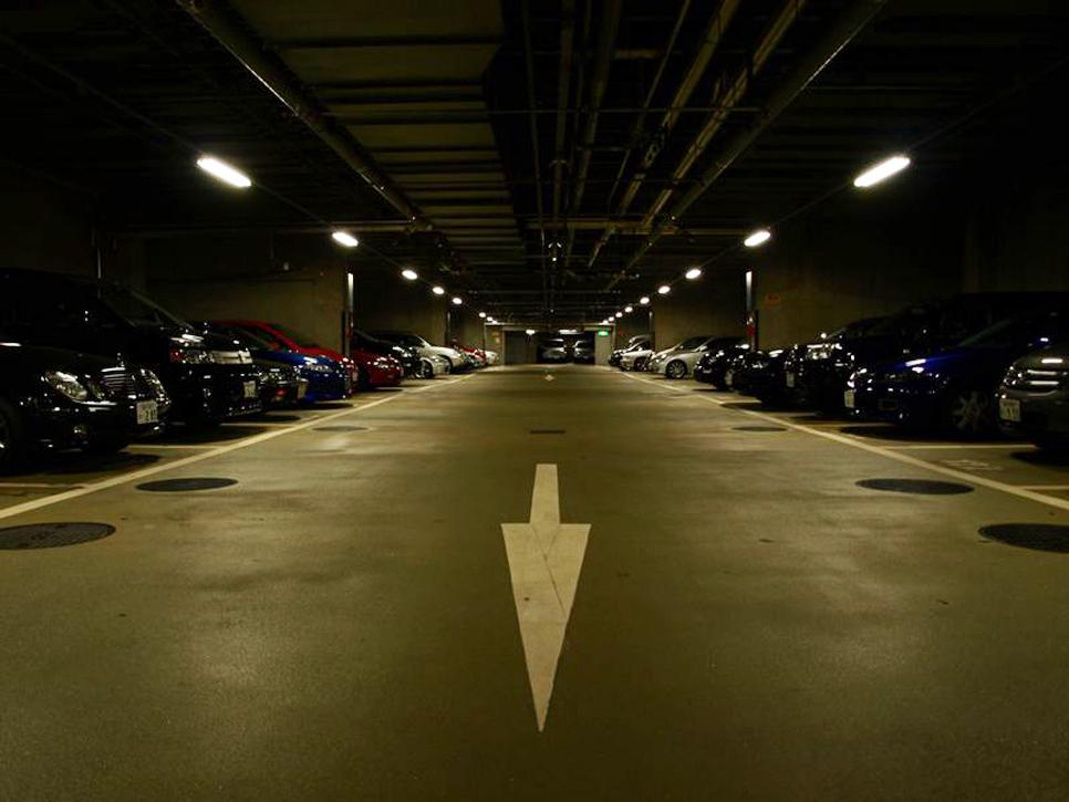 東京国際フォーラム 地下駐車場   収容台数 422台  - 1    L